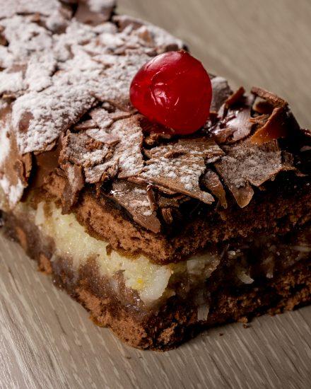 Bolos em Tira Padaria na Mooca, buffet de almoço, buffet de caldos, buffet de jantar, encomenda de bolos, encomenda salgadinhos.