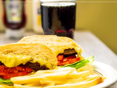 Slide combo lanche batata e refrigerante Padaria na Mooca, buffet de almoço, buffet de caldos, buffet de jantar, encomenda de bolos, encomenda salgadinhos.